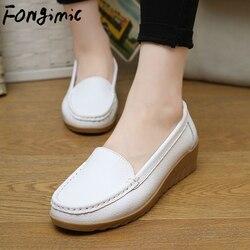 35-41 mulher primavera novos sapatos casuais sapatos femininos sapatos de salto inclinado branco enfermeira sapatos de couro sapatos femininos de meia-idade