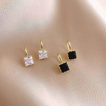 Prosty czarny biały nieregularny wielościan wisiorek małe kolczyki 2021 nowe dziewczyny niezwykłe kolczyki modna biżuteria koreańska dla kobiety tanie i dobre opinie Ze stopu cynku CN (pochodzenie) Etniczne LHS447 litera earrings earrings for women
