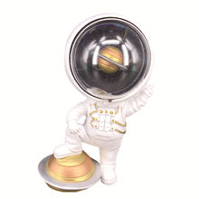 Astronauts interior decoration, home decoration, handicrafts, bedroom decorations, beautiful gifts, furnishings