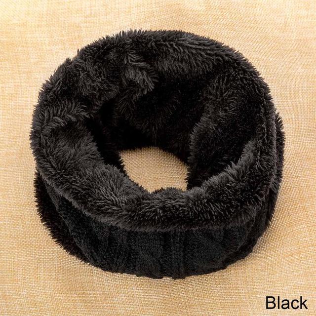 black bib
