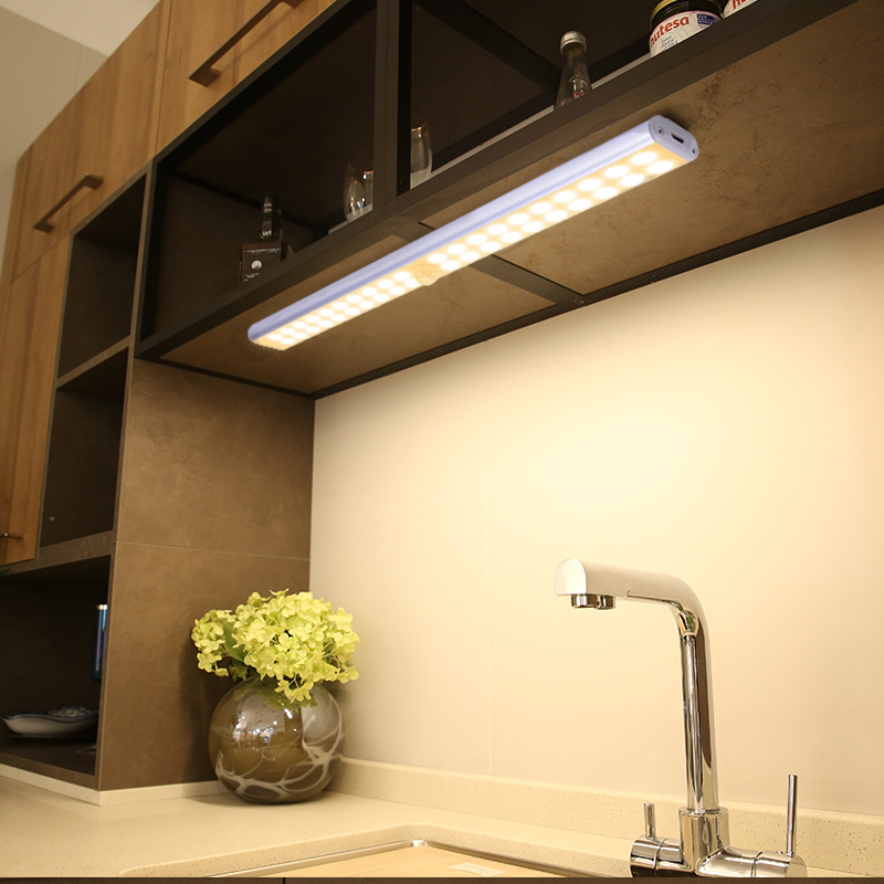 Sem fio led sob a luz do armário usb recarregável armário luzes da noite guarda-roupa cozinha longa tira magentic lâmpada de parede para escadas