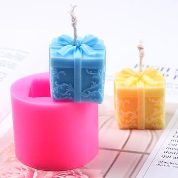 Silikonowe foremka na świece słodkie pudełko kształt świeca podejmowania formy DIY tynk aromat dekorowanie narzędzia mydło wyrabiane ręcznie formy ciasto Craft tanie i dobre opinie Silicone FW-SM9271 Gift Box 4 4*2 8cm 5 7*4 6cm -40F to +446F(-40c to +230c) DIY Plaster Aroma Decorating Tools