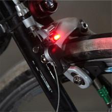 1pc Mini góra ogon tylne rowerowe światło rowerowe hamulec światło rowerowe LED wysokiej jasności wodoodporna lampa LED akcesoria rowerowe tanie tanio YYC605 Kierownica Baterii Bike Brake Lights Mini Bicycle Brake Signal Light Bike Tail Rear Light Warning Cycling Frame