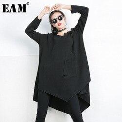 [EAM] 2021 New Spring Autumn Black Round Neck Long Sleeve Big Size Irregular Splicing Pocket T-shirt Women Fashion Tide 1C019