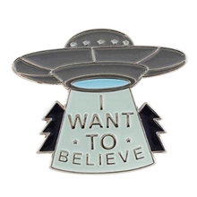 Quiero creer UFO pin con distintivo nave espacial broche Alien outerplanet pin(China)