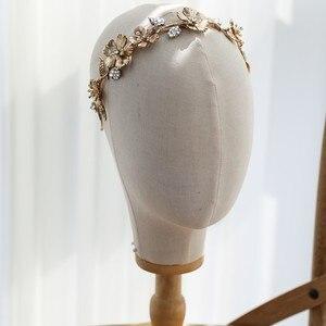 Image 3 - Винтажная Золотая Цветочная Женская Корона Свадебная фотосессия ручной работы