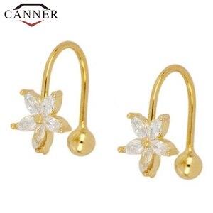1 pair of 925 Sterling Silver Snowflake Ear Cuff Without Piercing Clip Earrings for Women Crystal Zircon Clip on Earrings