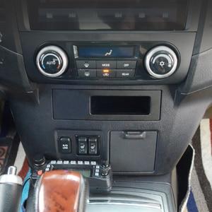 Image 2 - Автомобильный аксессуар для Mitsubishi Pajero 2017 2018, 10 Вт, мобильный телефон, беспроводное зарядное устройство QI, адаптер для телефона, зарядный чехол, держатель для телефона