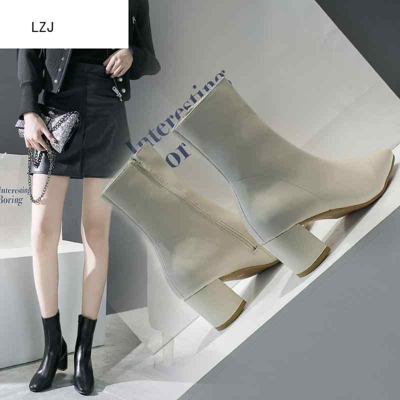 LZJ Wit Zwart Vrouwen Laarzen 2019 Comfy Vierkante Hoge Hak Enkellaars Mode Wees Teen Rits Laarzen Herfst Winter Dames schoenen