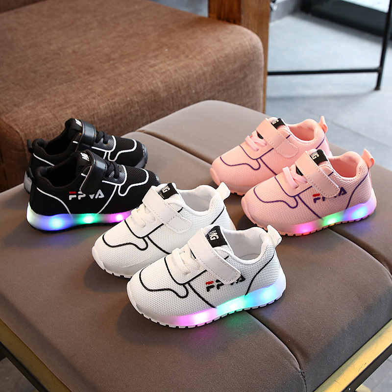 European New brand cool kids sneakers Cool LED fashion children casual shoes mesh breathable baby girls boys