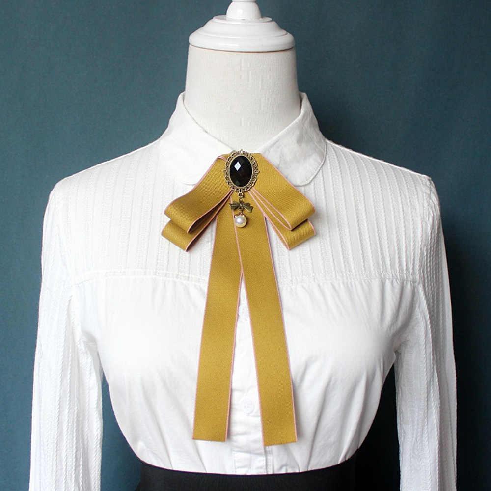 ゴージャスな蝶ネクタイヴィンテージカメオの女性ヘッド Diamod 真珠リボン房のブローチシックな女の子エレガントなコスチュームジュエリーカラーピン