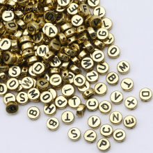 Plana redonda 4x7mm cor de ouro carta contas acrílico aleatório alfabeto espaçador contas para colar pulseira diy jóias fazendo