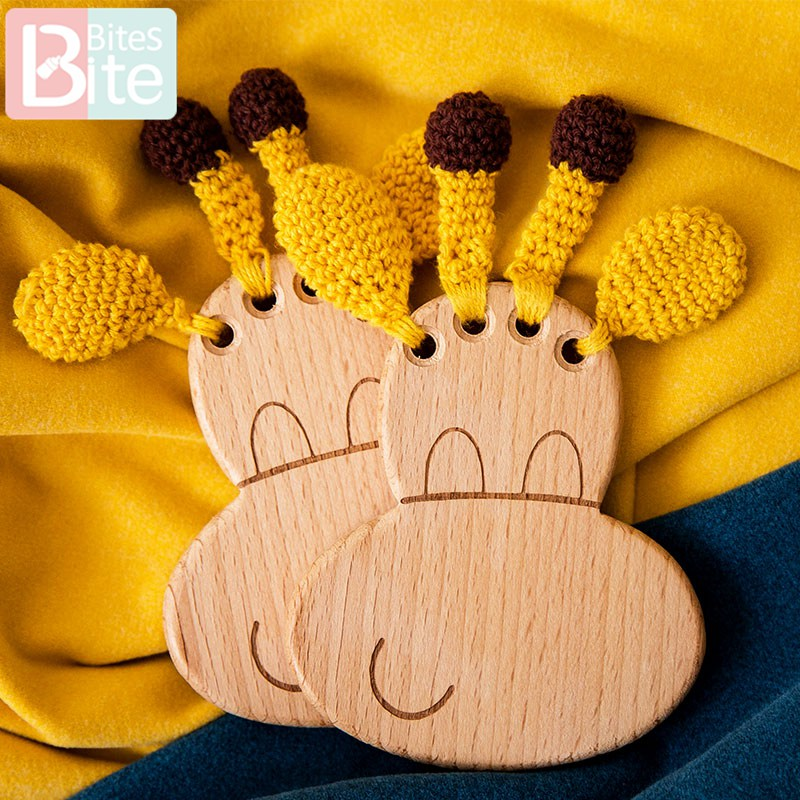 Bite Bites 1PC Baby Toys Animal Crochet Wooden Rattle Wooden Giraffe Teether Rodent Animal Crochet Wooden Ring Rattle Baby Goods
