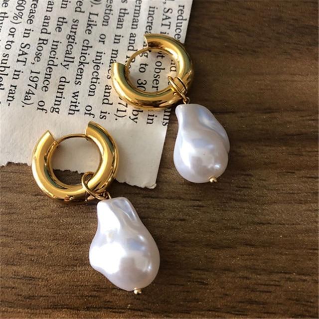 Baroque Pearl Earrings Gold Circle Earclip 5