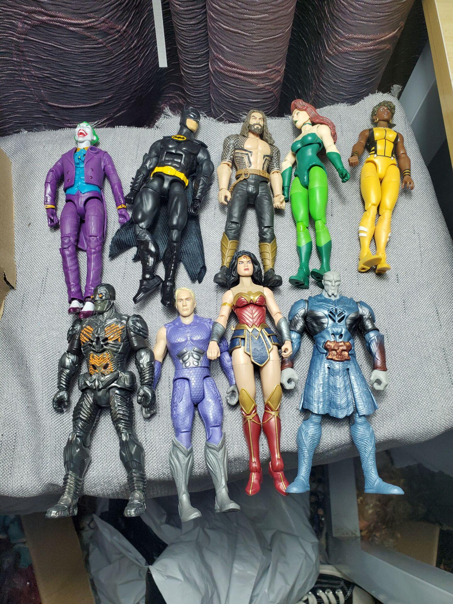 DC figma супергерой Человек-летучая мышь Джокер Зеленый Фонарь Aquaman робот 7 дюймов Аниме фигурки модели игрушки без аксессуаров супер крутая ку...