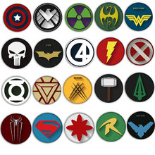 1 PC Harajuku Pictogram op Schattige Pin Badge Voor Rugzak Metalen Broche Cartoon Batman Super Hero Kerst Badges voor Kleding gift(China)