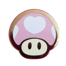Bonito heartshroom broche bonito princesa pêssego emblema rosa rosa ouro pinos kawaii jogo jóias