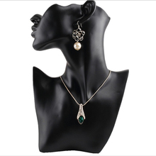Black Resin Material Elegant Female Mannequin for Fashion Necklace Pendant Bust Jewelry Display Holder Jewelry Store Display