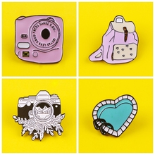 Prajna Pink/black and white camera Pins Badges for Clothes on Backpack Zinc Alloy Cartoon Badges Metal pink backpack Pin Badge printio white and pink