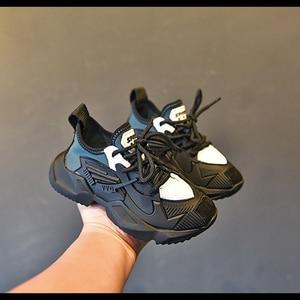 Image 4 - Zapatillas de deporte casuales para niños, zapatos de malla para niñas pequeñas, deportivas gruesas de marca, color negro, novedad de otoño