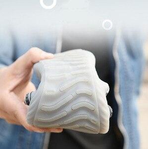 Image 3 - Nouvelles chaussures de sécurité respirantes 2020 hommes été acier orteil résistant aux chocs chaussures de travail légères résistant aux coups de couteau bottes de Construction