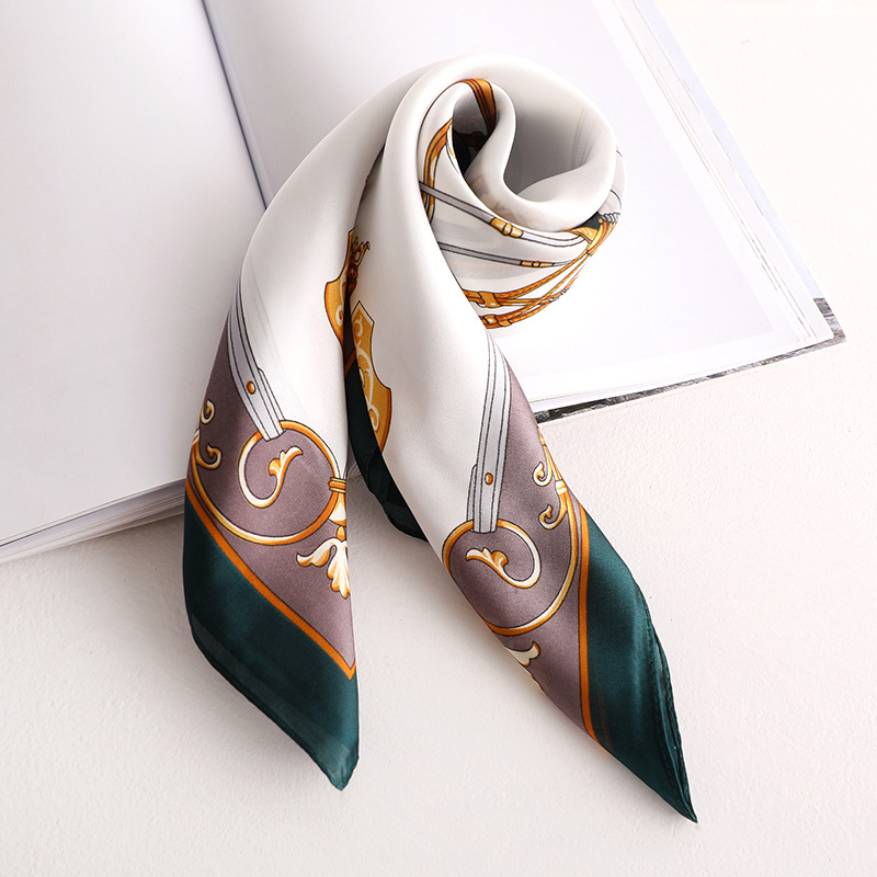 2020 New Women's Silk Scarf Fashion Color Green Printed Bandana Lady Square Scarves Soft Bags SCARF Shawl