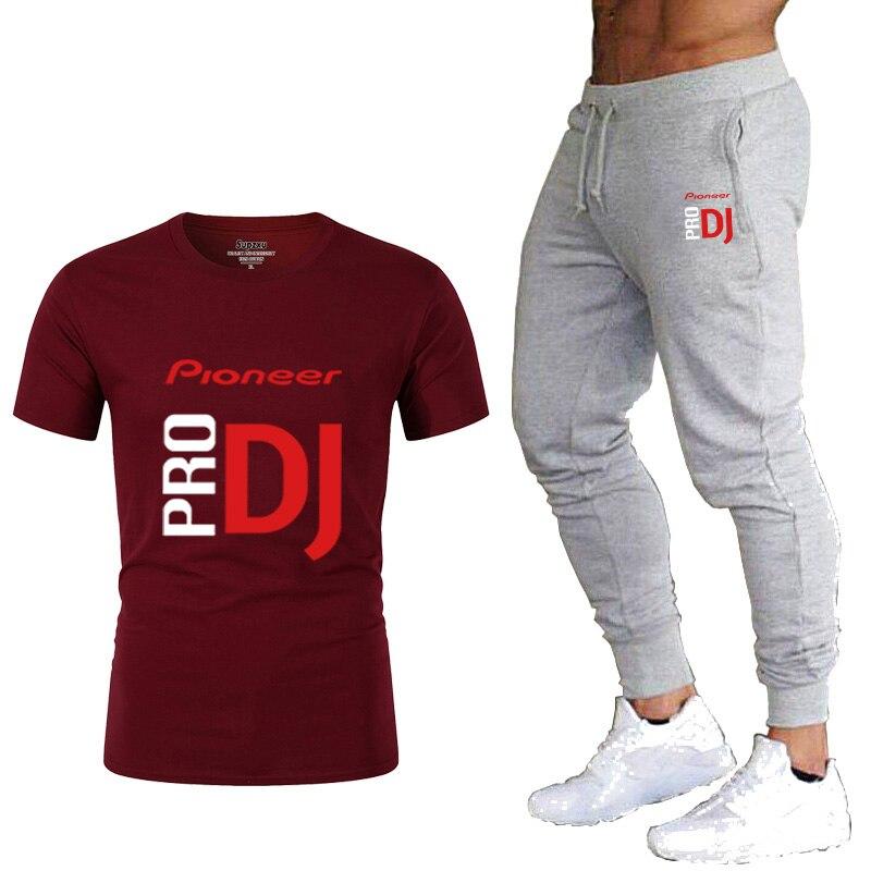 Купить мужской спортивный костюм из футболки и брюк повседневная футболка