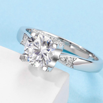 White Gold Plated 925 Sterling Silver Main Stone 1ct 6.5mm MoissaniteS Side Stone Cubic Zirconia Ring Jewlery M04B