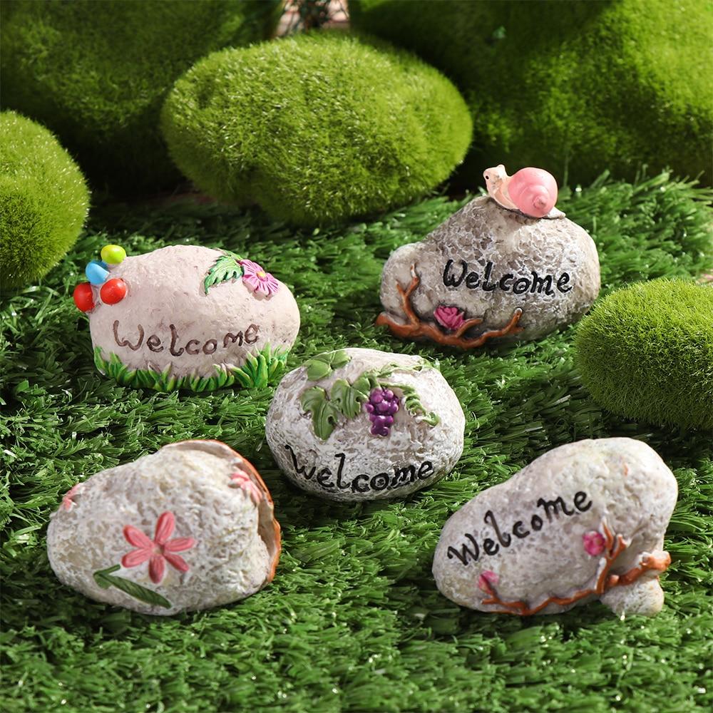 1 Pc Mini Road Sign Simulation Stone Signpost Micro Landscape Doll House Desktop Ornament Resin Craft Gift Fashion Home Decor-4