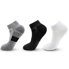 1 Pair Men Thermal Sports Socks for Outdoor Cycling Basketball Running Winter Hiking Basket Tennis Non slip Sports Cotton Socks
