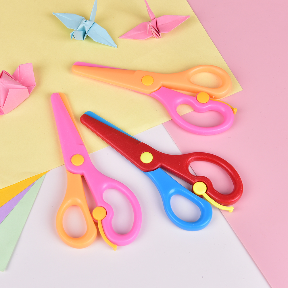 1 Pcs 137mm Mini Safety Round Head Plastic Scissors Student Kids Paper Cutting Minions Supplies For Kindergarten School