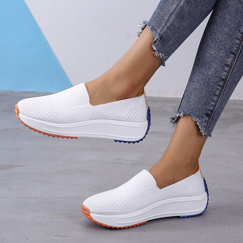 2021 Fashion Women Flats Shoes Breathable Mesh Slip On Moccasins Casual Shoes Woman Lightweight Autumn Loafer Shoes Big Size