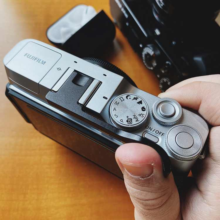 Hot Shoe Photography Electronics Cover Aluminum Camera Accessories Professional Thumbrest for Fuji Fujifilm XT30 S28esong Thumb Up Grip Cover Thumbrest