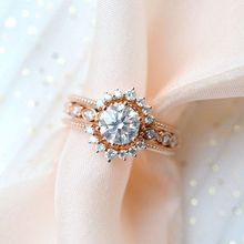 Luxury Female White Round Crystal Ring Dainty Zircon Hollow Wedding Rings For Women Trendy Bridal Rose Gold Engagement Ring trendy plated white gold environmental alloy narrow width crystal ring