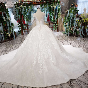 Image 2 - LSS513 Vintage Wedding Dress 2020 Appliques With Wedding Veil O Neck Lace Up V Back White Bridal Ball Gown