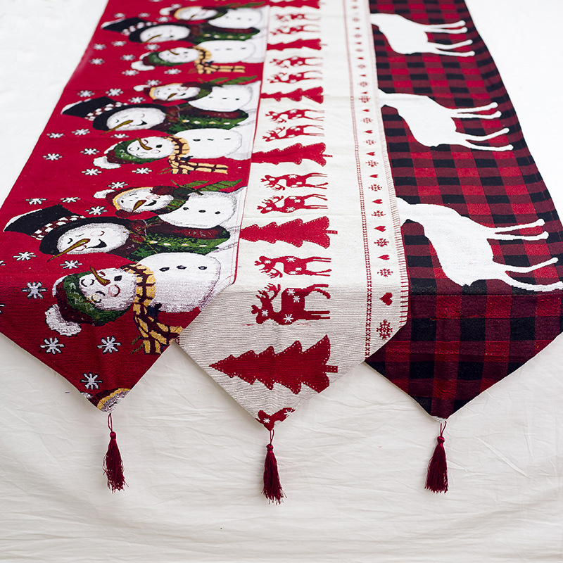 1 Piece Red Christmas Table Runner Pattern Cotton Linen European Embroidered Tapestry Santa Table Runners Decoration 35*180cm