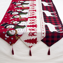 1 Piece Red Christmas Table Runner Pattern Cotton Linen European Embroidered Tapestry Santa Table Runners Decoration