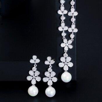 Flower Drop Pearl Necklace Earrings Set