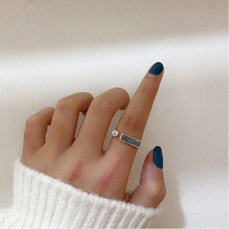2021 Retro Geometric Irregular Natural Stone Spar Gold Metal Marble Ring Crystal Finger Rings For Women Girl Party Exotic Gift 1