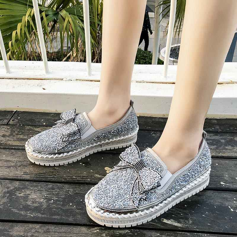 Kadın loafer'lar 2020 kadın Glitter Bling yay düğüm daireler üzerinde kayma kadın sürüngen rahat kalın alt Moccasins kadın parlatıcı ayakkabı