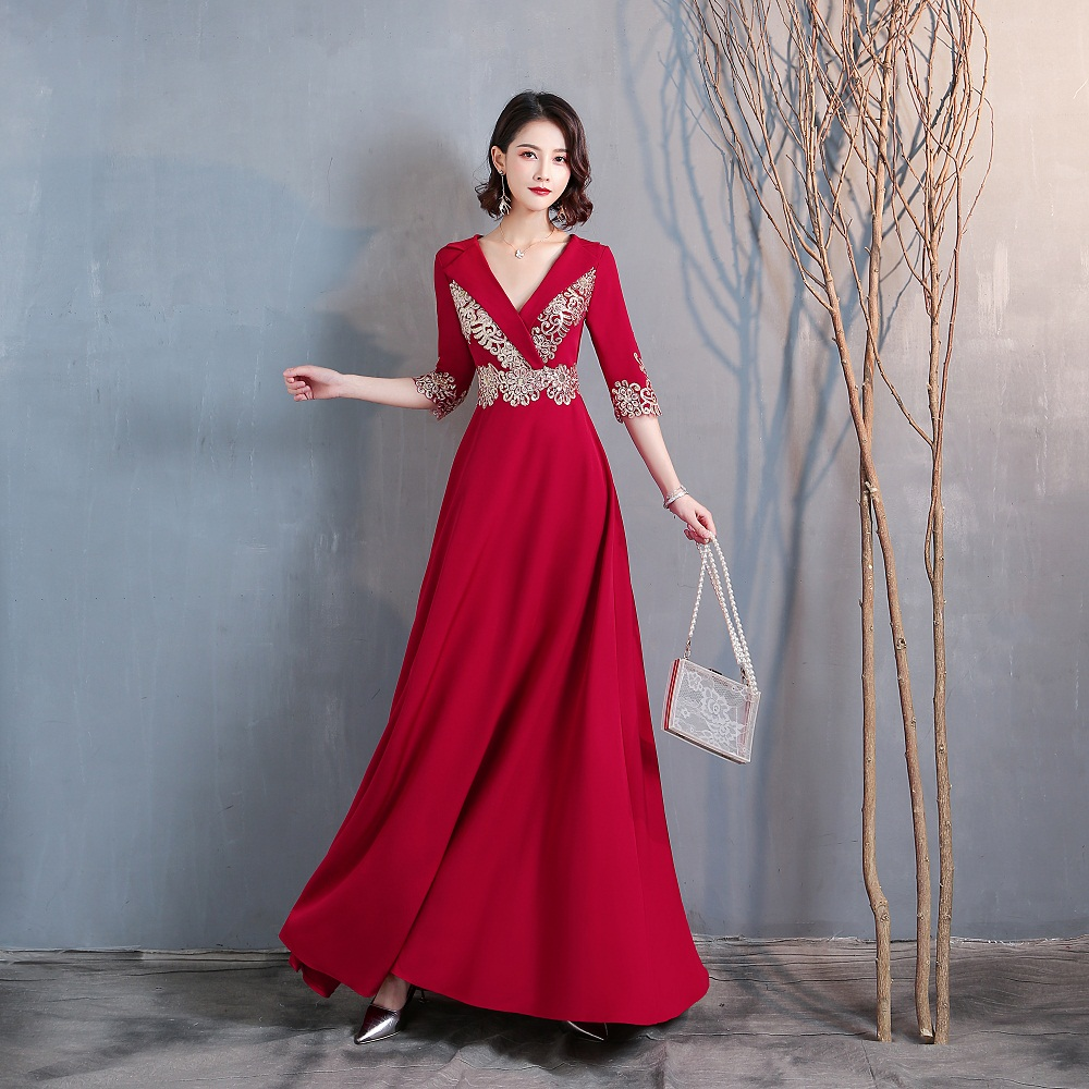 Simple Long Celebrity Dresses A-line Half Sleeves Embroidery V Neck Top Satin Zipper Back Formal Evening Party Gowns Real Video