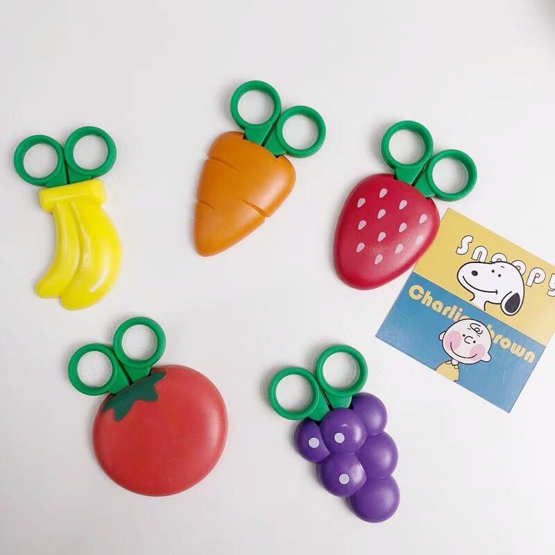2020 Sharkbang Kawaii Magnetic Carrot Fruit Handmade Scissors Kids DIY Paper Pattern Cutting Scissors School Children Stationery