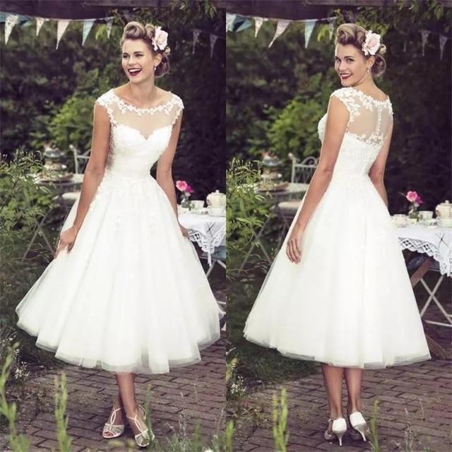 2020 חדש אוסף וינטג שנהב תחרת חתונת שמלות סקסי Sheer צוואר שווי שרוולי תה אורך תפור לפי מידה בתוספת גודל כלה שמלות