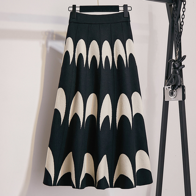 Winter Autumn 2019 Skirts Womens Knitting Wool Pleated Long Skirt Moon Print High Waist Elastic Large Hem Midi Skirts 4