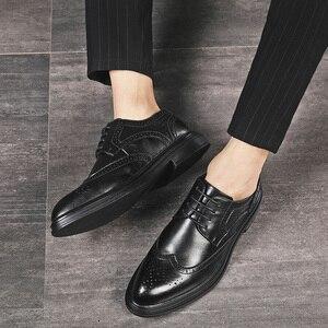 Image 5 - Chaussures en cuir pour hommes, chaussures pour cérémonie de mariage, de luxe, rétro, Oxfords, collection 2020