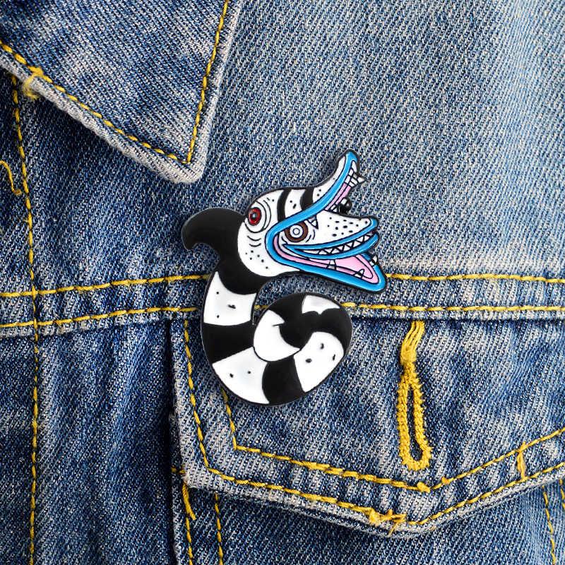 Sea Sneak Enamel PIN สีดำและสีขาวลายคู่หัวงู Broioch สำหรับของขวัญสัตว์ Badge เครื่องประดับ DENIM เสื้อผ้ากระเป๋ากางเกงยีนส์