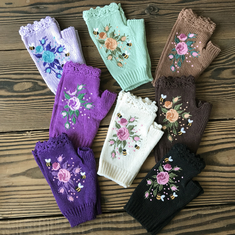 Ins High Quality Mittens Handmade Embroidery Gloves Autumn Winter Bee Floret Women's Warm Gloves Wool Knitted Adult Gloves