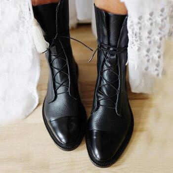 Новинка; Ботинки на плоской подошве из лакированной кожи в британском стиле; Черные ботинки с острым носком; Красивые мотоциклетные ботинки...