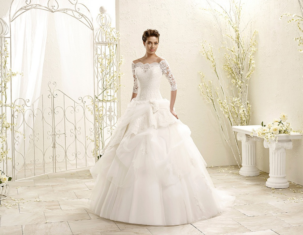 2016 Vintage Lace Floor Length Wedding Dress Bridal Gown With Sleeves Three Quarter Sleeve Ball Gown Bridal Wedding Gown F1703