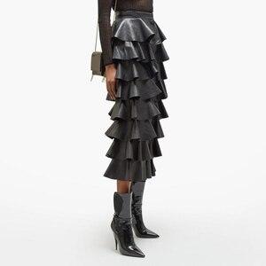 Image 2 - Deuxtwinstyle cuir synthétique polyuréthane noir à volants femmes jupes taille haute boutons Streetwear femme jupe 2020 automne mode nouveaux vêtements